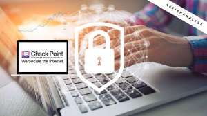 Logo des Blog Beitrags: Im Hintergrund ist eine Person am Laptop; ein weißes Schloss ist in der MItte abgebildet; auf einem weiteren Laptop ist das Logo des Unternehmens abgebildet